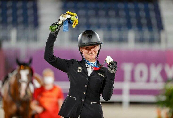 Bild zur News Olympia-Gold für Reiterin Julia Krajewski